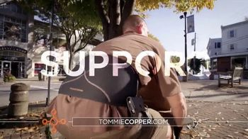Tommie Copper Shoulder Centric Support Shirt TV Spot, 'Wearable Wellness Compression: 25 Percent' - Thumbnail 6