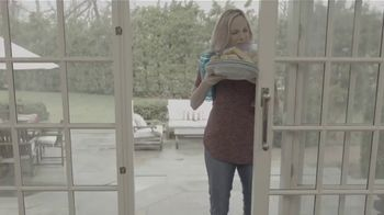 Magic Mesh TV Spot, 'Hands-Free Screen Door' - Thumbnail 1