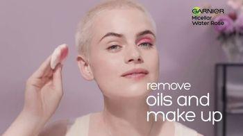 Garnier SkinActive Water Rose Micellar Cleansing Water TV Spot, 'Magnet' - Thumbnail 6
