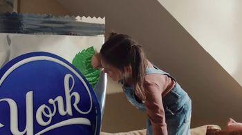 YORK Peppermint Pattie TV Spot, 'York Mode: Mom'
