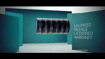 Lexus TV Spot, 'Smart Is the New Sexy' [T1] - Thumbnail 4