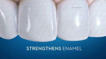 Crest 3D White TV Spot, 'Whitens and Strengthens Enamel' - Thumbnail 8