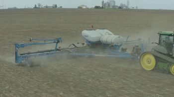 Kinze 05 Series Planter TV Spot, 'Less Time in the Shop, More Time in the Field' - Thumbnail 7
