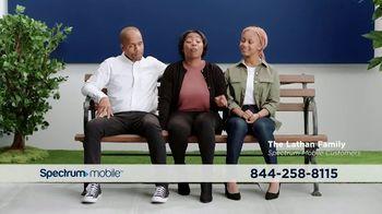 Spectrum Mobile TV Spot, 'Real People: $45 Per Line' - Thumbnail 4