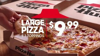 Pizza Hut Large 3-Topping Pizza TV Spot, 'Over Mac and Cheese?' - Thumbnail 6