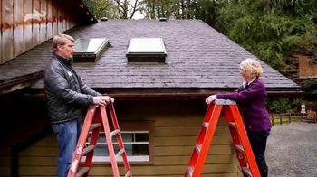 Allstate TV Spot, 'Tip 17: Roof Maintenance' Featuring Pete Nelson - Thumbnail 6