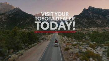 Toyota TV Spot, 'Hybrid Power' Song by Elvis Presley [T2] - Thumbnail 9