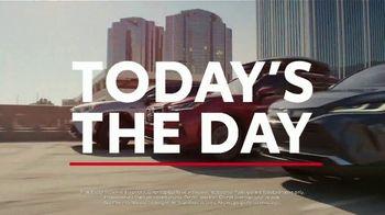 Toyota TV Spot, 'Hybrid Power' Song by Elvis Presley [T2] - Thumbnail 2