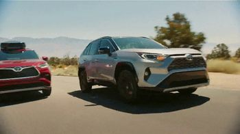 Toyota TV Spot, 'Hybrid Power' Song by Elvis Presley [T2] - Thumbnail 4