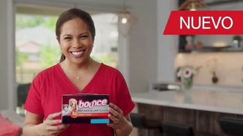 Bounce Pet Hair & Link Guard TV Spot, 'Mascota' [Spanish]