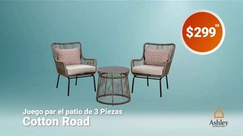 Ashley HomeStore Labor Day Sale TV Spot, 'Juego por el patio' [Spanish] - Thumbnail 3