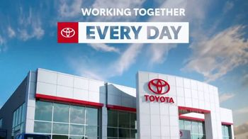 Toyota TV Spot, 'Labor Day: Let's Work Together' [T2] - Thumbnail 5
