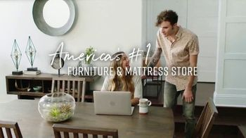 Ashley HomeStore Labor Day Sale TV Spot, '30% Off and Five Years Financing' - Thumbnail 8