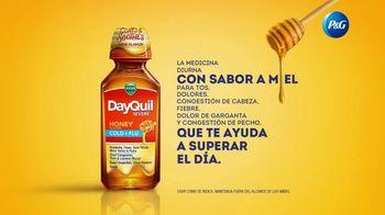 Vicks DayQuil Severe Honey TV Spot, 'Con sabor a miel' [Spanish] - Thumbnail 7
