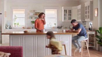Vicks DayQuil Severe Honey TV Spot, 'Con sabor a miel' [Spanish] - Thumbnail 1