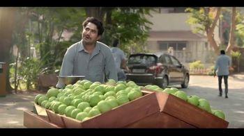 Dabur Green Fruit Juice Drink TV Spot, 'Fruit Vendor' - Thumbnail 2