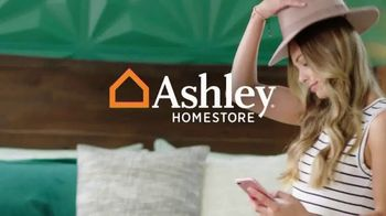 Ashley HomeStore Labor Day Sale TV Spot, '25% Off First Item' - Thumbnail 1