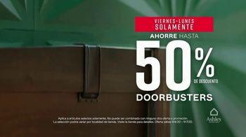 Ashley HomeStore Venta de Labor Day TV Spot, '50% de descuento: más interés por seis meses' [Spanish] - Thumbnail 3