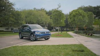 Volkswagen TV Spot, 'Community-Driven Promise: A New Day: Tiguan' [T2] - Thumbnail 4
