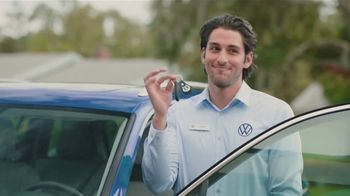 Volkswagen TV Spot, 'Community-Driven Promise: A New Day: Tiguan' [T2] - Thumbnail 6