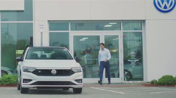 Volkswagen TV Spot, 'Community-Driven Promise: A New Day: Jetta' [T2] - Thumbnail 2