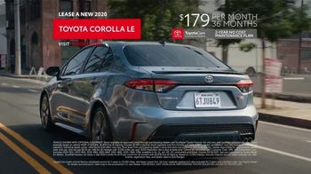 2020 Toyota Corolla TV Spot, 'The Pack' Featuring David Morse, Song by Alex Britten, AX UX [T2] - Thumbnail 10