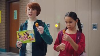 Lunchables With 100% Juice TV Spot, 'Mixed Up: School Hallway' - Thumbnail 7