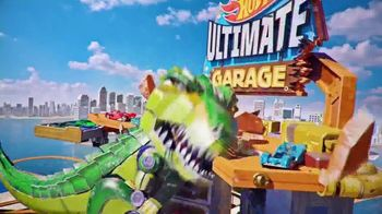 Hot Wheels City Ultimate Garage TV Spot, 'Hungry T-Rex'