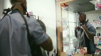 Gillette SkinGuard TV Spot, 'Not Too Close for Comfort'