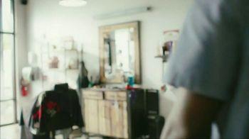 Gillette SkinGuard TV Spot, 'Not Too Close for Comfort' - Thumbnail 1