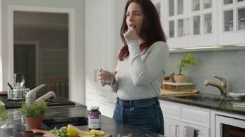 New Chapter Organics Every Woman's One Daily Whole-Food Multivitamin TV Spot, 'Do You' - Thumbnail 6