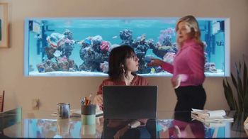 XFINITY Internet TV Spot, 'Open House: $25' Featuring Amy Poehler - Thumbnail 4