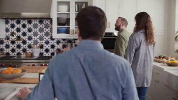 XFINITY Internet TV Spot, 'Open House: $25' Featuring Amy Poehler - Thumbnail 5