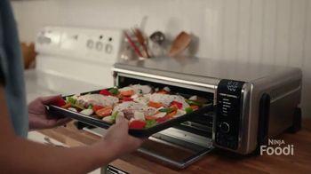 Ninja Foodi Air Fry Oven TV Spot, 'Family-Sized Meals'