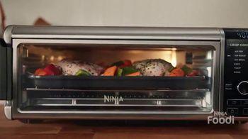 Ninja Foodi Air Fry Oven TV Spot, 'Family-Sized Meals' - Thumbnail 3