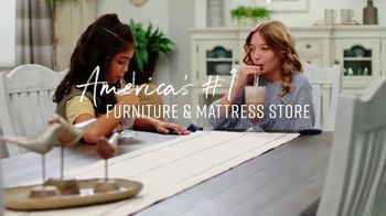 Ashley HomeStore Fall in Love With Home Sale TV Spot, '30% Off and 0% Interest' - Thumbnail 9