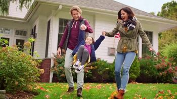 Kohl's Friends + Family Sale TV Spot, 'Fleece, Fitbit and Denim' - Thumbnail 2