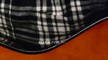 L.L. Bean Scotch Plaid Flannel Shirts TV Spot, 'Made for This' Song by Cheryl Lynn - Thumbnail 8