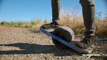 Onewheel TV Spot, 'Gliding on Air'