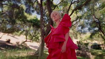 Valentino Fragrances Voce Viva TV Spot, 'Antes del amor' con Lady Gaga [Spanish] - Thumbnail 6