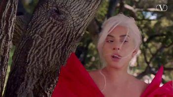 Valentino Fragrances Voce Viva TV Spot, 'La nueva fragancia' con Lady Gaga [Spanish]