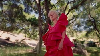 Valentino Fragrances Voce Viva TV Spot, 'La nueva fragancia' con Lady Gaga [Spanish] - Thumbnail 6