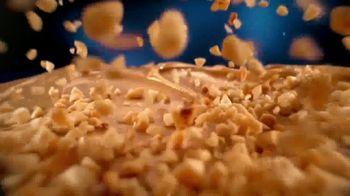 Butterfinger TV Spot, 'Crispety, Crunchety, Peanut-Buttery' Song by Jamie N Commons - Thumbnail 3