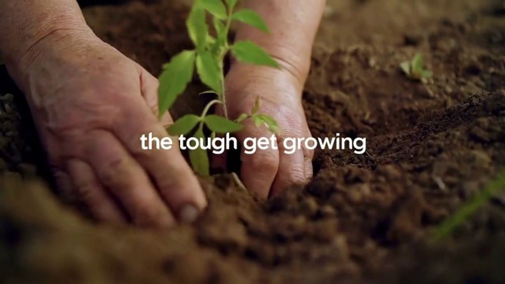 Miracle-Gro TV Commercial, 'Victory Garden'