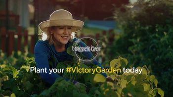 Miracle-Gro TV Spot, 'Victory Garden' - Thumbnail 10