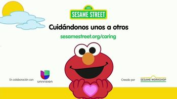 Sesame Workshop TV Spot, 'Toser y estornudar' [Spanish] - Thumbnail 10