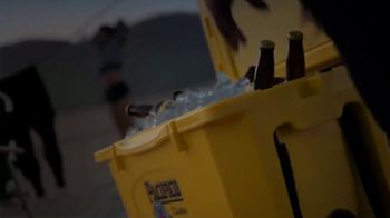 Cerveza Pacifico TV Spot, 'Crack of Dawn' - Thumbnail 4