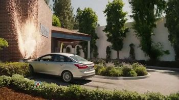 Farmers Insurance TV Spot, 'Wall of Claims: Greatest Hits' Featuring J.K. Simmons - Thumbnail 7