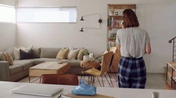 Neutrogena Makeup Remover Cleansing Towelettes TV Spot, 'Help Is Always One Wipe Away' - Thumbnail 9