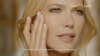 Cicatricure Gold Lift TV Spot, 'Arrugas gravitacionales' con Valeria Mazza [Spanish] - Thumbnail 6